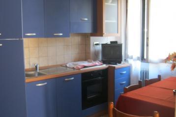 cucina chiesa in valmalenco appartamento in centro