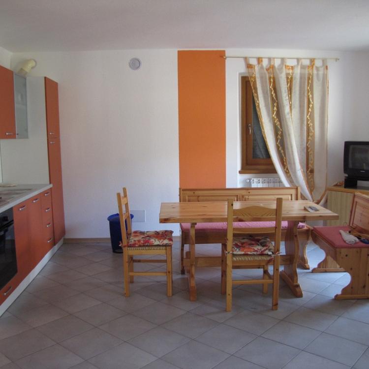 cucina appartamento locazione chiesa in valmalenco vassalini