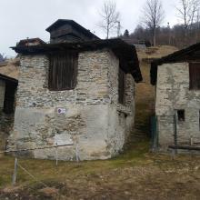 caspoggio albertazzi rustico con terreno